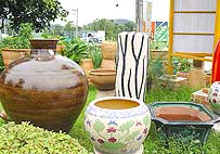 Difference pottery style